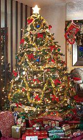 170px-User_Zink_Dawg_2009_Christmas_Tree